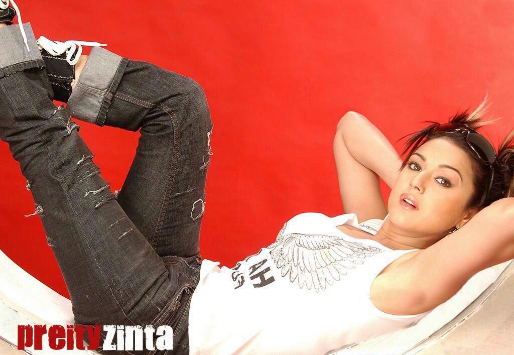 Preity Zinta Kissing