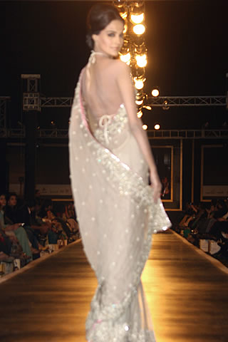 Stylish Bridal Dresses of Mehdi from Couture Week 2010 - Mehdi Pakistani Designer Collection at Bridal Couture Week 2010