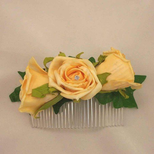 Stylish Gold Open Rose Hair Comb for Bride 520x520 - Bridal Gold Hair Combs: 15 Remarkable Collection