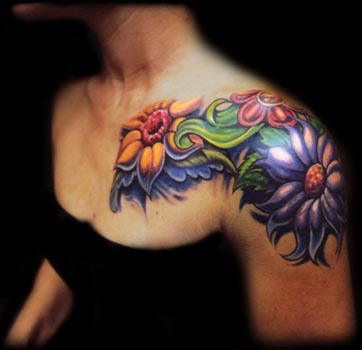 Elbow Tattoos on With Beautiful Tattoos Flowers Chest Tattoo     Yusrablog Com