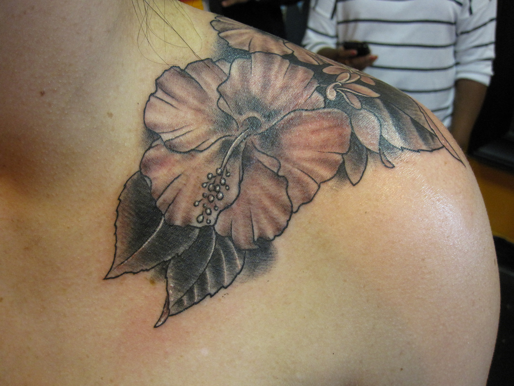 Best hibiscus flower tattoo designs for girls yusrablog izmirmasajfo