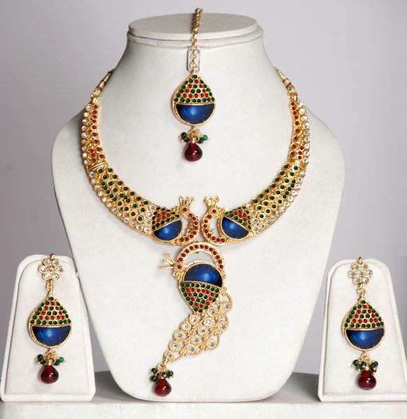 Elegant Indian Jewellery Designs For 2011