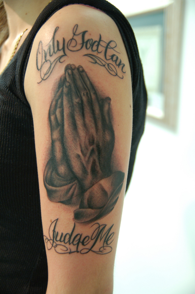 Latest Praying Hands Tattoo Trend Yusrablog Com