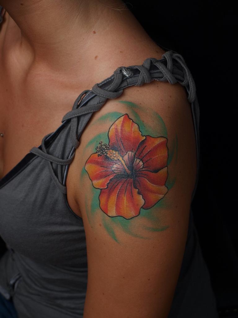 Latest Shoulder Tattoo Design for Girls - YusraBlog.com