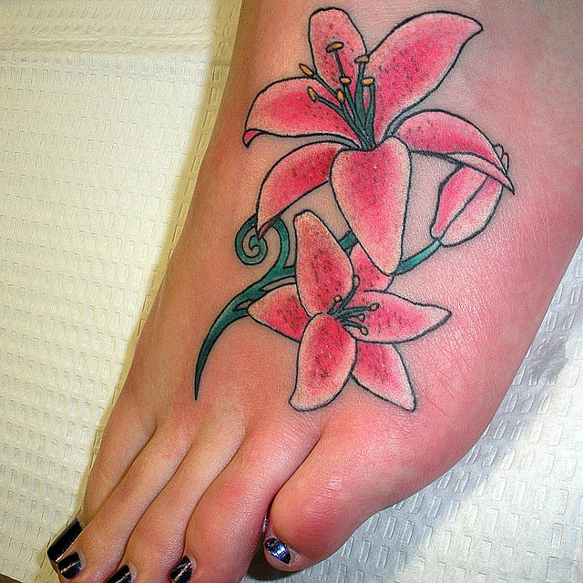 More Stunning Lily Tattoo Designs For 2011 Lily Flower ...