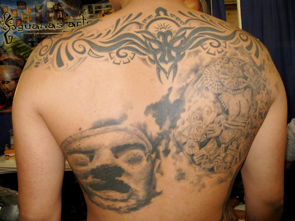 Elegant mexican tattoo design for 2011 for Mexican style tattoos