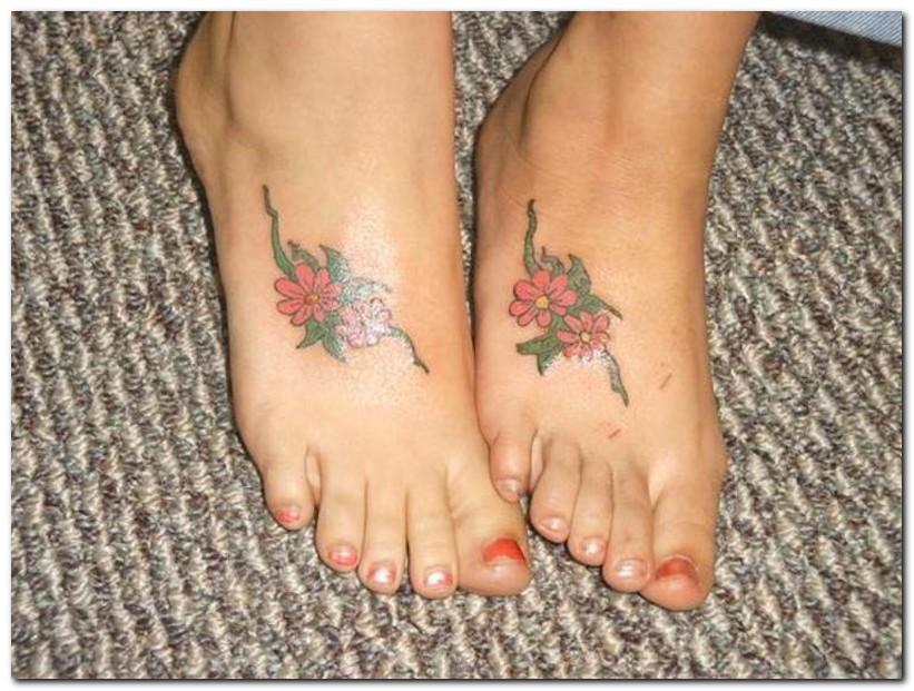 Hawaiian flower tattoos on foot ksiqno for Tattoos on toes