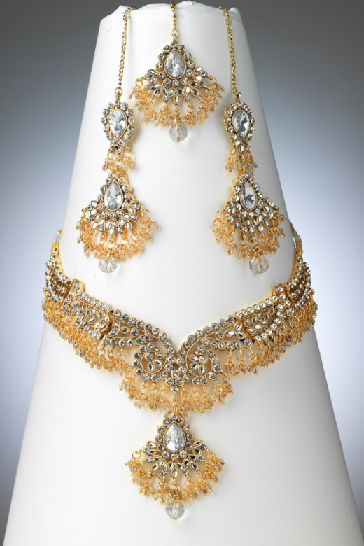 Pakistani bridal jewellery designs for 2011 for Top fashion jewelry designers