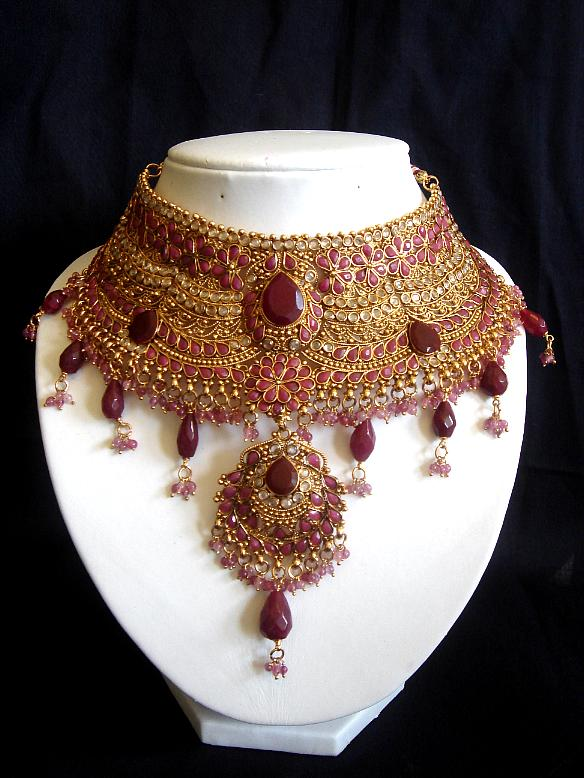 Pakistani Bridal Jewellery Designs For 2011