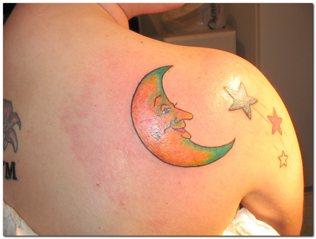 Girls Moon Tattoo Designs For 2011