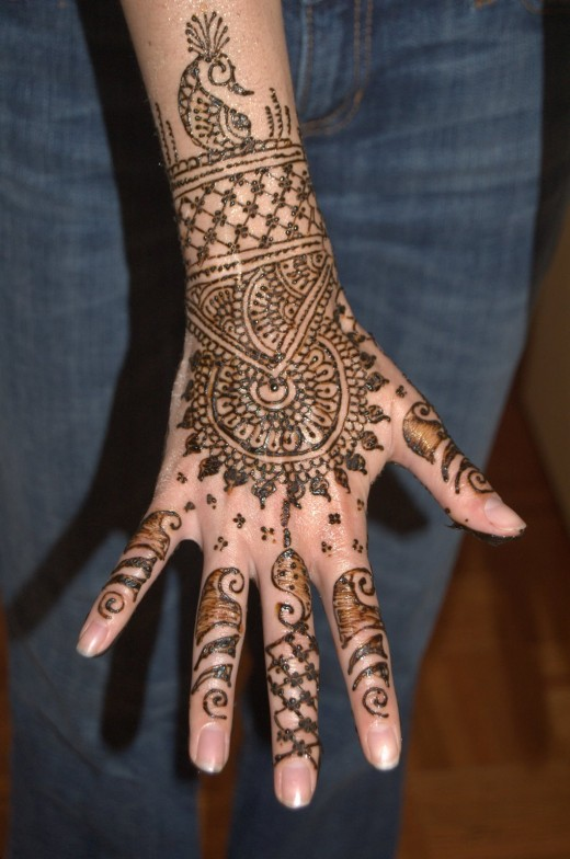 Beautiful Henna Design for Girls