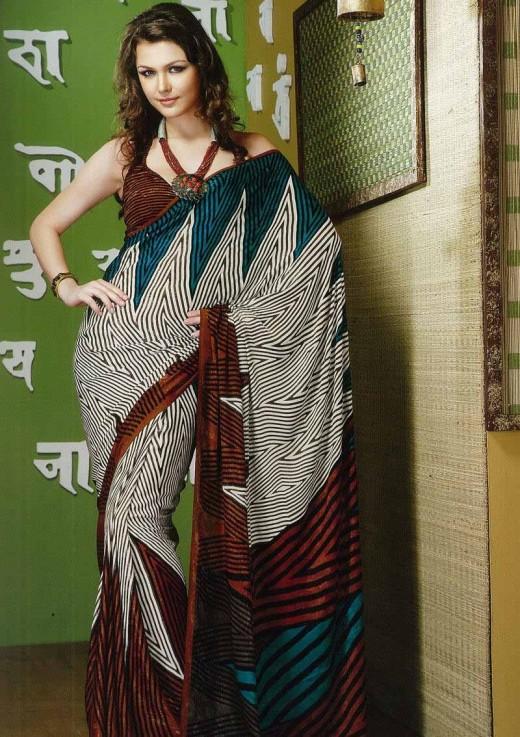 Beautiful Party Saree Design for Girls 2011 520x737 - 2011 Party Wear Sarees Designs Collection