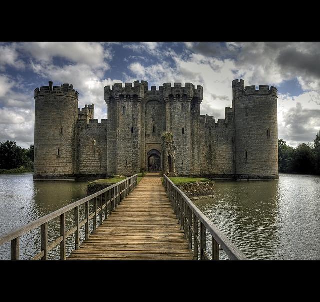 The World S Most Beautiful Famous Castles Bodiam Castle