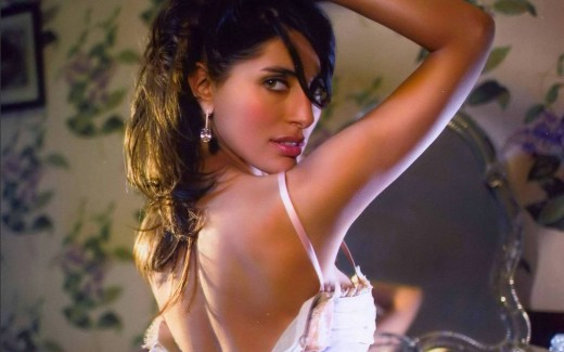 Caterina Murino Hot Pictures