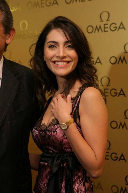 Caterina Murino in Party