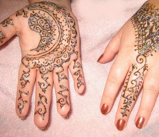 Elegant Mehndi Design for Bridal