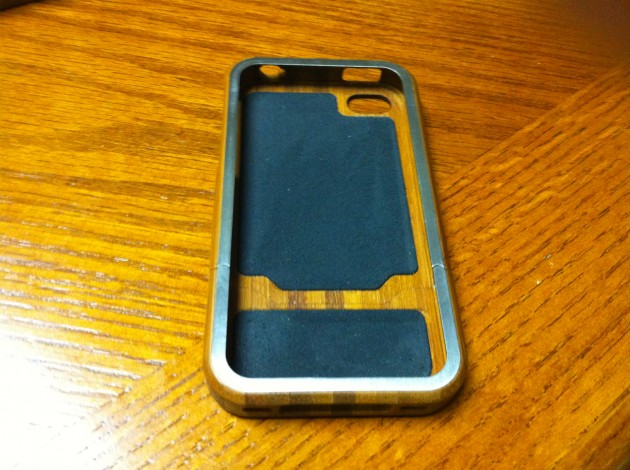 Cool Grove iPhone 4 Bamboo Case Review