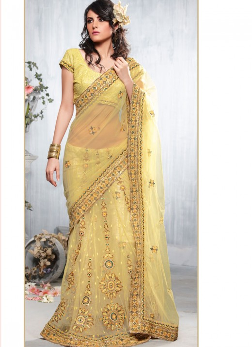 Golden Bandhani Saree Design for Party