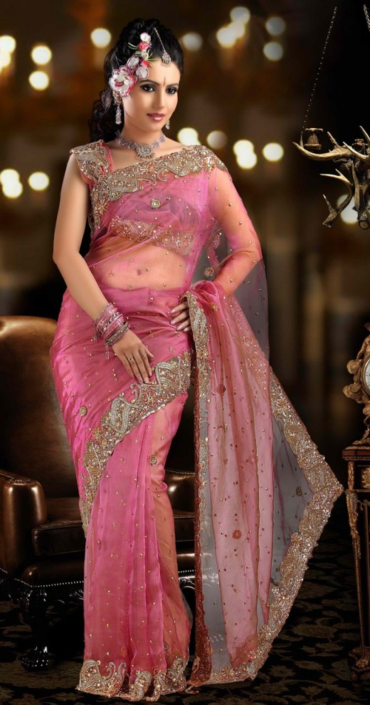Nice Bandhani Saree Design for Bridal