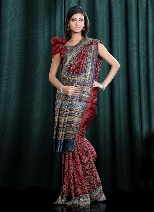 Party Wear Saree Trend 2011 For Pakistani Girls 520x715 - 2011 Party Wear Sarees Designs Collection