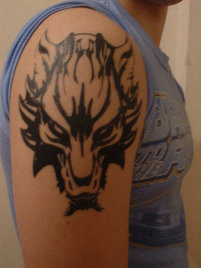 beautiful wolf tattoo designs 2011 wolf tattoo design for college boys. Black Bedroom Furniture Sets. Home Design Ideas