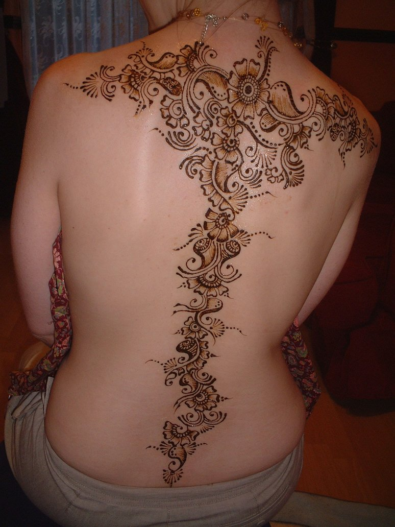 Most Beautiful Mehndi Designs For Back