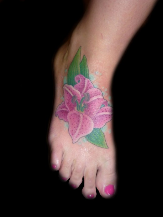 Girls Foot Tattoo Design Fashion for 2011