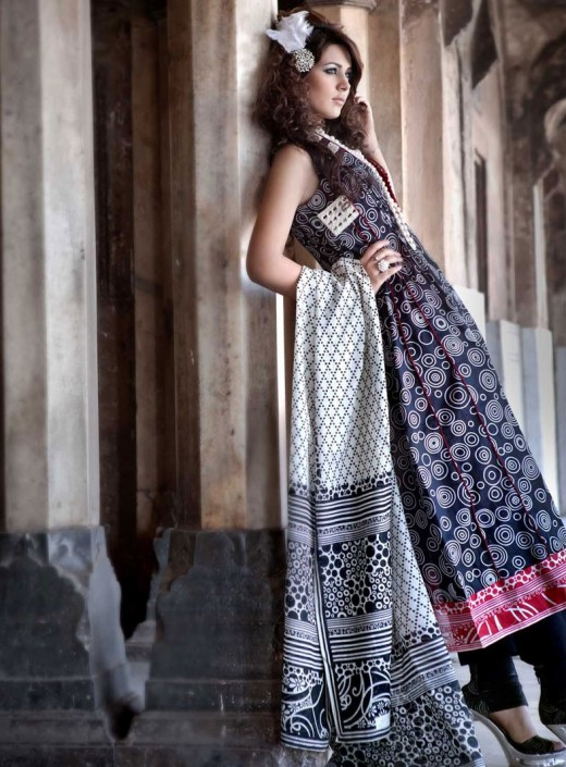Gul Ahmed Lawn Blanche Noire Collection 2011 520x705 Gul Ahmed Lawn 2011