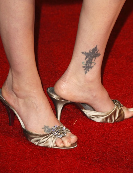 Latest Tattoo Design on Feet for Women 2011