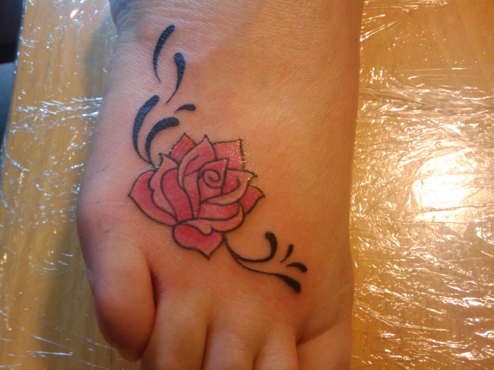 401a4bc46 tattoo ideas for feet on Foot Tattoo Designs Latest Tattoos Collection Rose  Tattoo Art On Foot