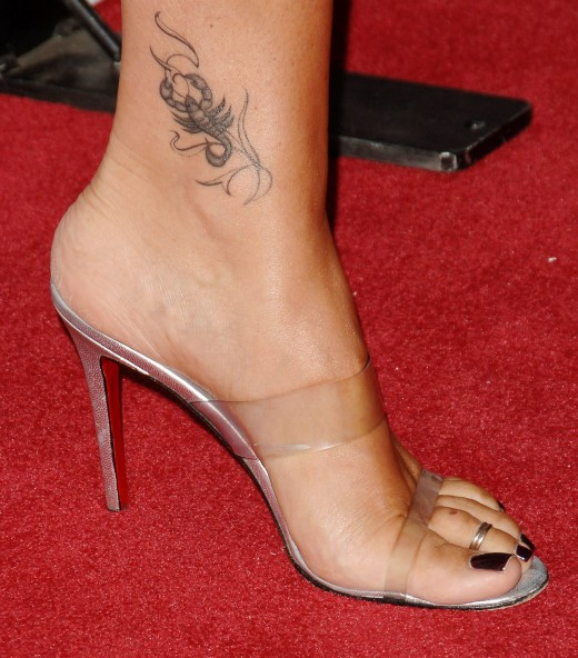 Scorpion Tattoo Design on Foot for Hot Girls