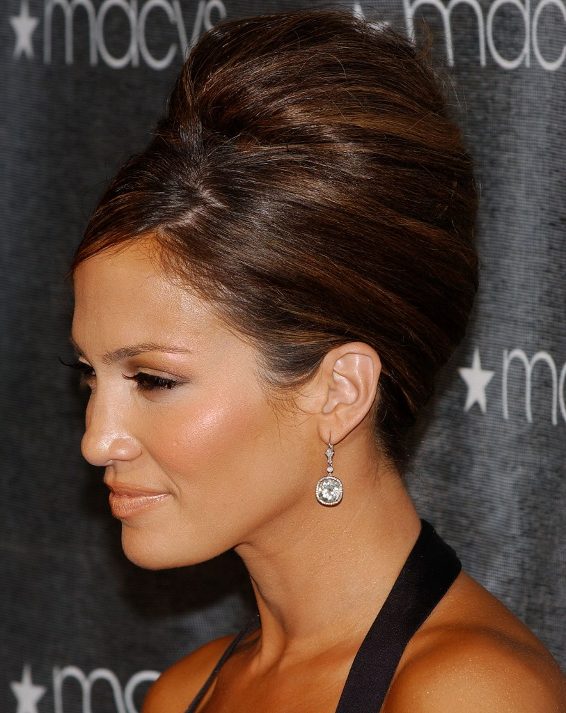 http://www.yusrablog.com/wp-content/uploads/2011/04/New-2011-Jennifer-Lopez-Updo-Hairstyle.jpg