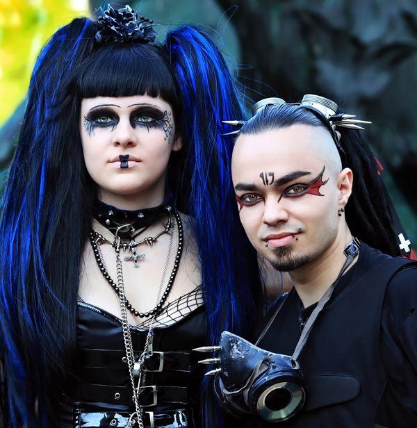 15 Glamorous Gothic Fashion Photography