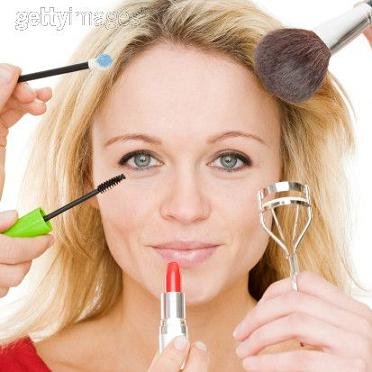 How To Apply Makeup for Photographs: 8 Useful Tips