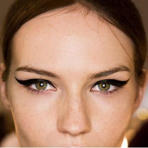 How To Apply Makeup for Baggy Eyes