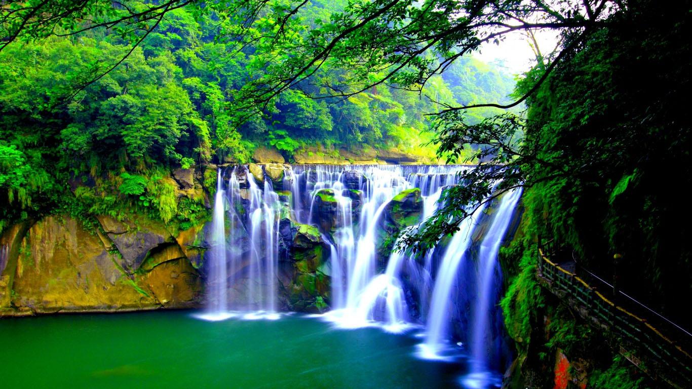 20 Eye-Refreshing Waterfall Desktop Wallpapers