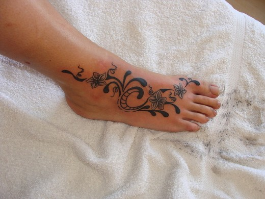 20 awe inspiring foot tattoo ideas for women. Black Bedroom Furniture Sets. Home Design Ideas