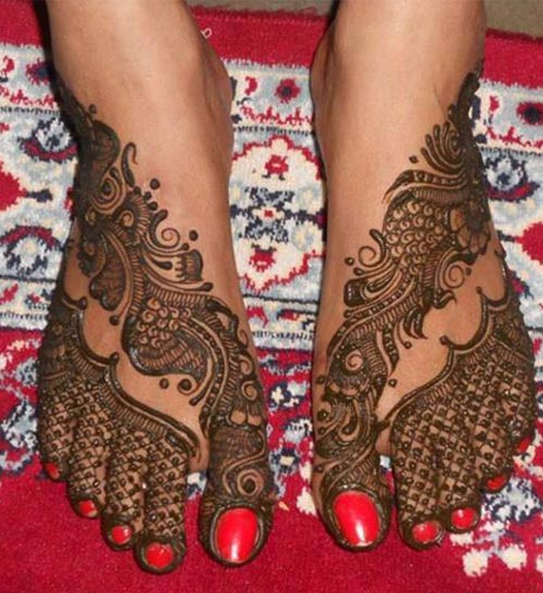 15 Superlative Feet Mehndi Designs for 2015