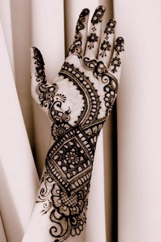 Amazing Mehndi Designs For Full Hand