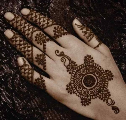 Fresh Arabic Mehndi Design for Party