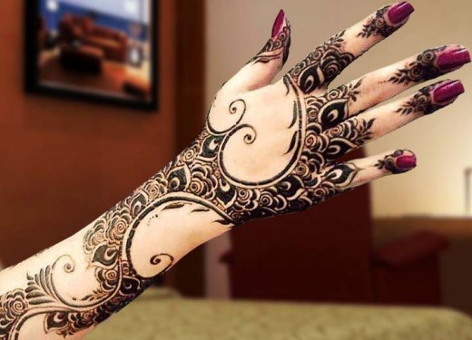 Full Back Hand Summer Mehndi Designs