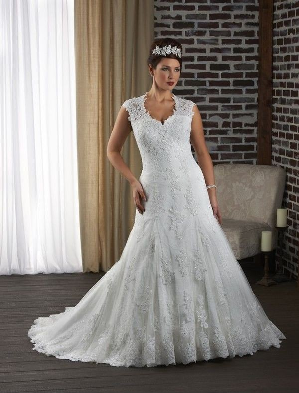 22 Beautiful Plus Size Wedding Dresses