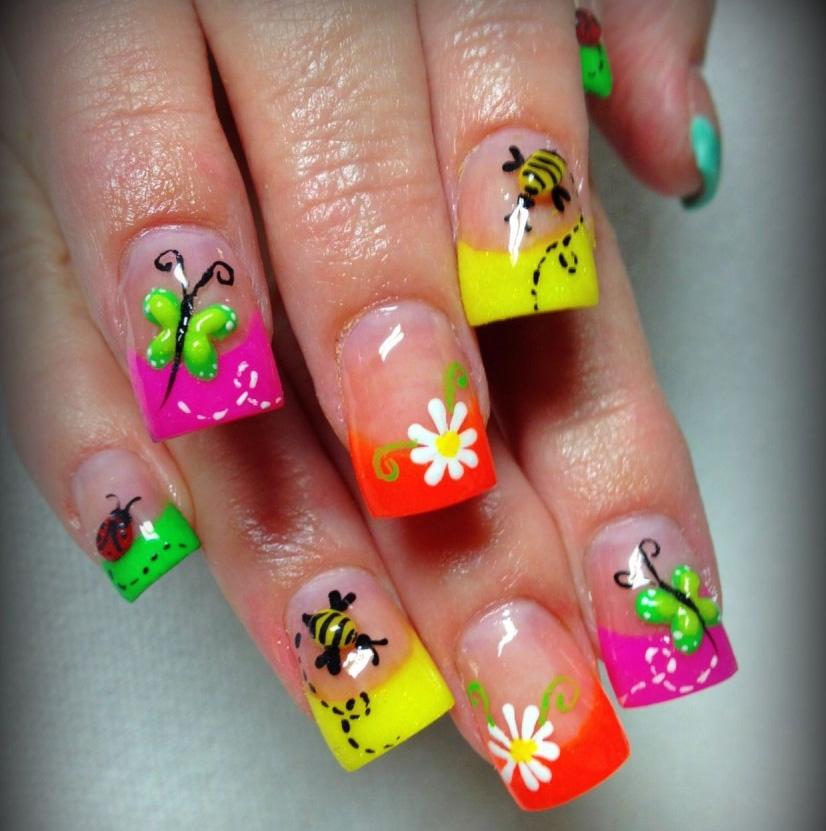 Летний маникюр на короткие квадратные ногти